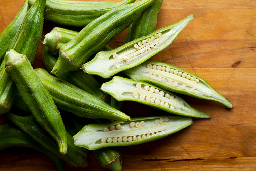 Does okra reduce cholesterol?